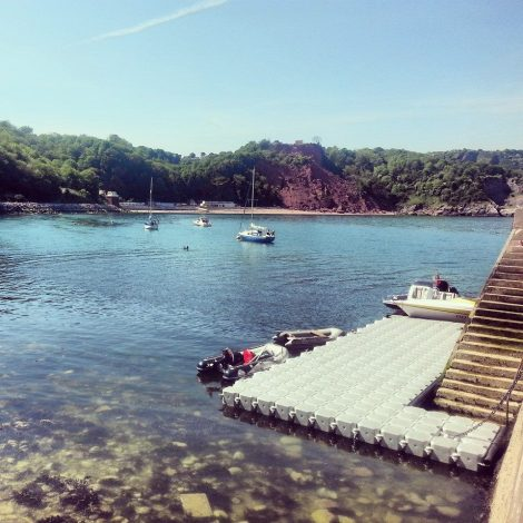 Allowing guests to moor and arrive by tender, the pontoon at the Cary Arms is set to be popular this summer!