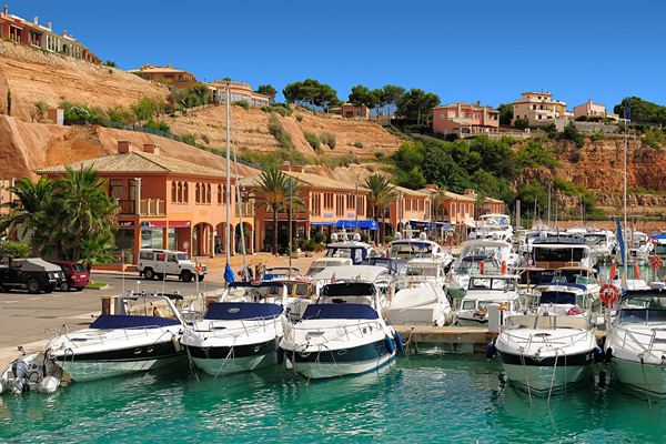 Sunseeker Mallorca are calling all boat owners looking to sell this season!