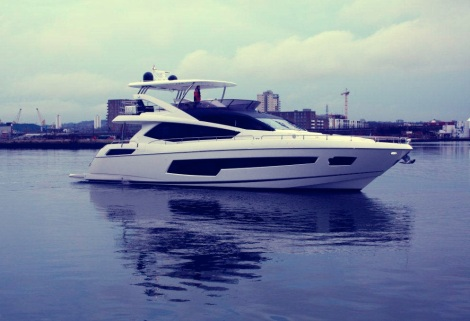 The Sunseeker 75 Yacht on the Thames before motoring to London ExCeL