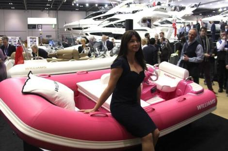 Suzi Perry launches the FAB1 Million Williams 325 Turbojet which is currently being auctioned for Breast Cancer Care