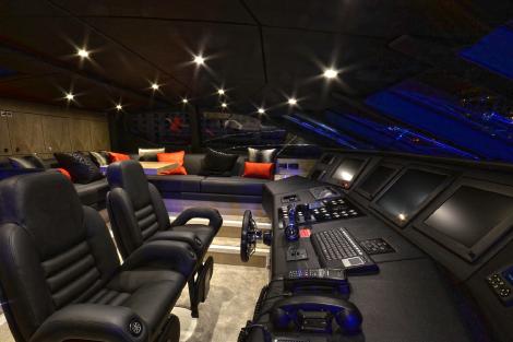 The fantastic wheelhouse of the Sunseeker 115 Sport Yacht