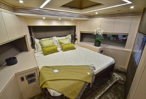 The Sunseeker 75 Yacht boasts a generous Forward VIP Cabin
