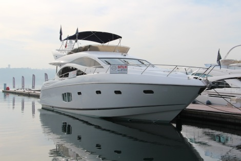 "The Sunseeker Manhattan 70 ""ZARIF II"" was the largest yacht on display"
