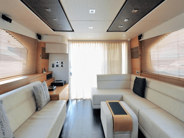 Stunning finishes and a well designed layout makes the Manhattan 63 the perfect family yacht, accommodating 6 guests in luxurious comfort