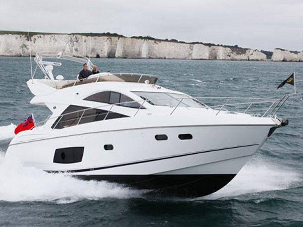 The Sunseeker Manhattan 53 remains a highly popular choice amongst UK and European boaters