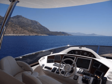 The secondary helm on the flybridge allows for excellent navigation capabilities, whilst the sliding GRP hardtop shelters guests enjoying the exterior space when required
