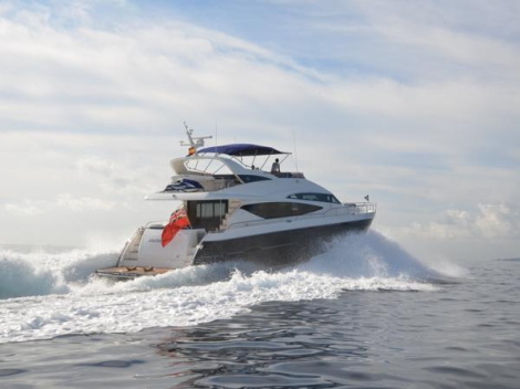 With a top speed of 32 knots and a cruising speed of 26, this all-round flybridge boat performs well with her C32 Caterpillar engines