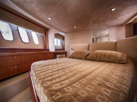 Accommodation onboard is for 6 guests, in a 3 cabin arrangement with Master VIP and Pullman Twin