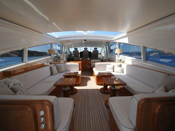 """With a sliding roof, the saloon quickly transforms into an open entertaining space onboard """"NAISCA IV"""""""