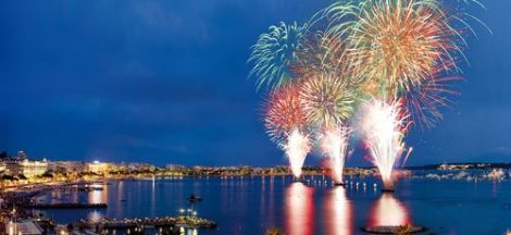 Guests of the Sunseeker Rendevous will take in the spectacular fireworks at the Festival d'Art Pyrotechnique