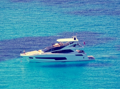 """The new Sunseeker 75 Yacht """"FINEZZA"""" will be the guest of honour at the Sunseeker Hellas Sunset in Corfu event. Photo by @VillaCorfu."""