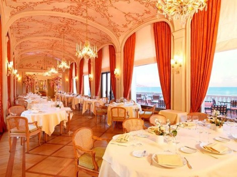 Offering traditional luxury, the Réserve de Beaulieu provides guests with opulent comfort