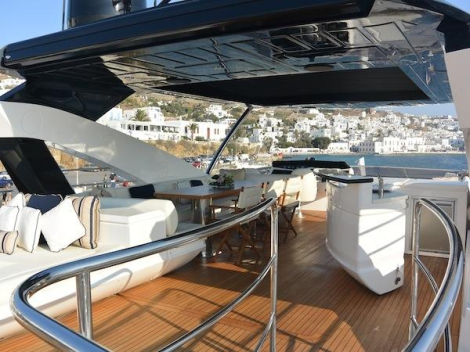 Boasting a spacious flybridge with sliding GRP hardtop, the 28 Metre Yacht provides plenty of space for sunbathing, dining and entertaining