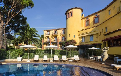 L'Hotel Ermitage du Riou comes very highly recommended in Mandelieu-La Napoule