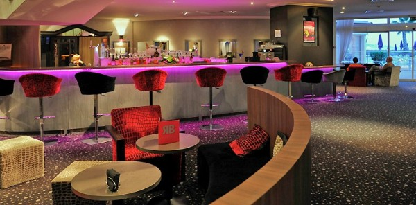 The sumptuous Royal Bay Lounge Bar is a stunning waterside location for cocktails, wines, champagnes and more...