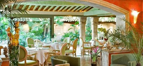 l'Oasis Raimbault is a stunning 2 Michelin starred restaurant, with an unusual botanical setting