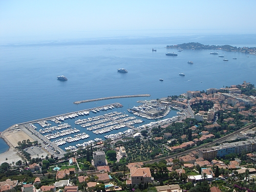 The Sunseeker Yacht Show in Beaulieu runs in parallel with the Monaco Yacht Show and is open until Sunday 28th September