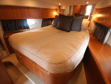 Accommodating 6 guests, the Predator 62 offers a full-beam Aft Master, Forward VIP and Twin Pullman cabin arrangement