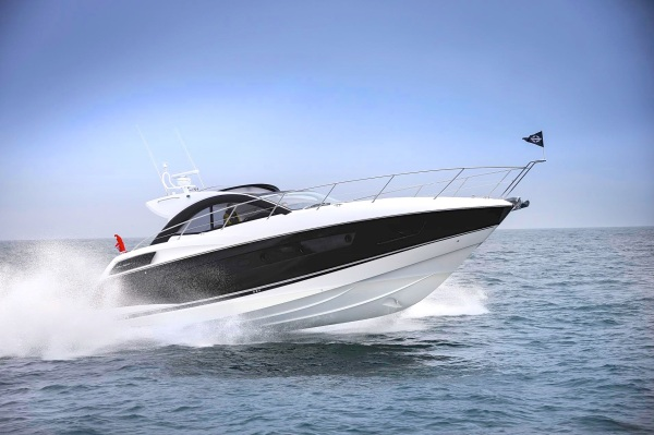 The San Remo 485 is part of the 2015 BMYS line up from Sunseeker