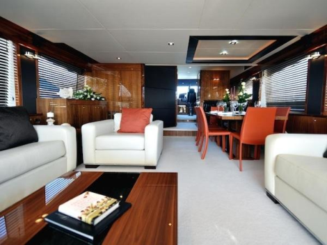 With luxurious accommodation for 8 and extensive interior and exterior space, the Sunseeker 88 Yacht is an exceptional flybridge yacht