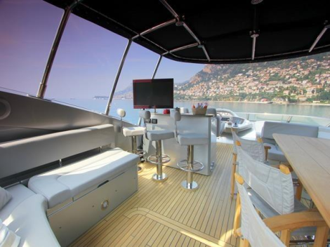 Offering an expansive flybridge in addition to a spacious aft and foredeck, the 90 Yacht is ideal for entertaining guests