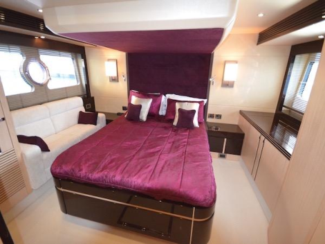 "The Manhattan 55 ""WILD THYME TOO"" boasts 3 well-appointed cabins plus 1 crew"