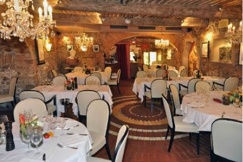 Eat: Le Michelangelo, 3 Rue des Cordiers, 06600, Vieil Antibes