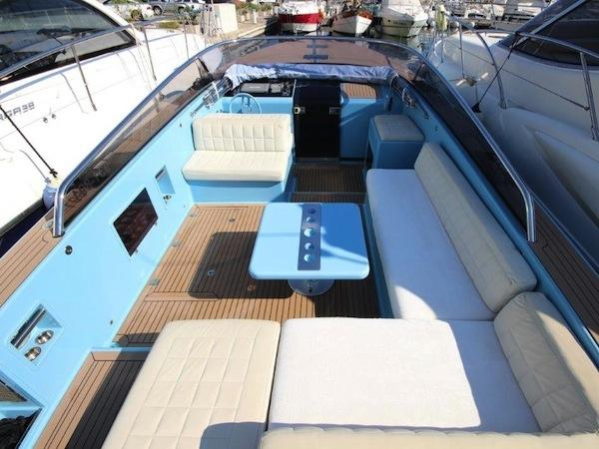 Offering a spacious cockpit, the VanDutch 40 is one of the most stylish and sleek day boats on the market