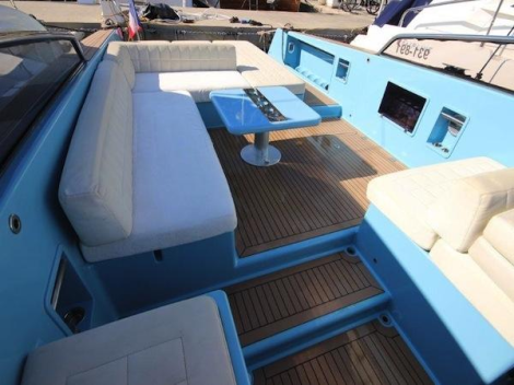 The open style design allows for plenty of sunbathing and seating areas onboard