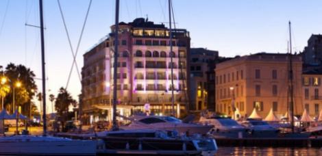 Sleep: Radisson Blu 1835 Hotel & Thalasso, 2 Boulevard Jean Hibert, 06414 Cannes