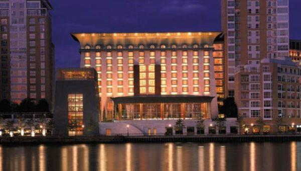 Sleep: Four Seasons Hotel, 46 Westferry Circus, Canary Wharf, E14 8RS