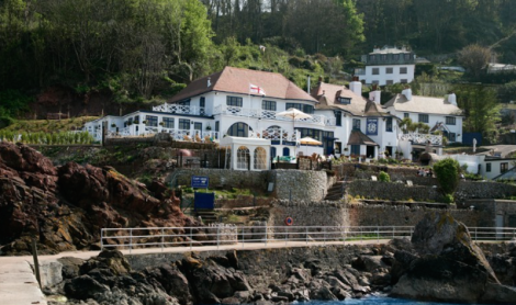 DRINK : The Cary Arms, Oddicombe Beach Hill, Babbacombe, South Devon, TQ1 3LX.