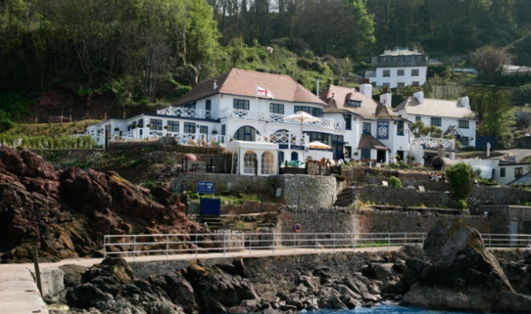 DRINK : The Cary Arms, Oddicombe Beach Hill, Babbacombe, South Devon, TQ1 3LX.