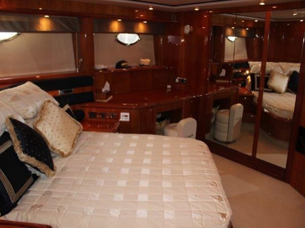 """PAPILLON"" is a prime example of a extremely highly maintained Sunseeker Manhattan 74 that is hard to fault"