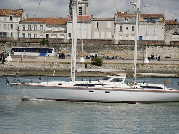 """Sunseeker Cannes are listing the Amels 54 """"CARPE DIEM III"""" at €745,000 Tax Paid"""