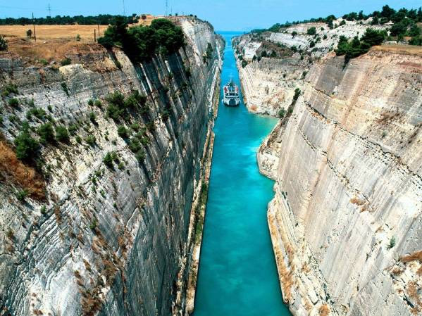 "The team travelled through the Corinth Canal with ""DEL BOY's"" new owner onboard - a memorable experience for all"