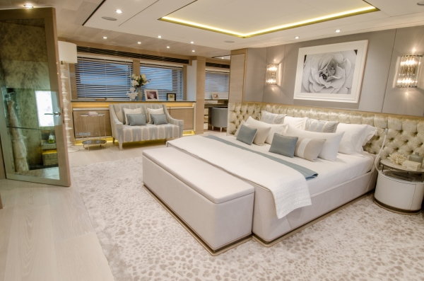 """THUMPER's"" stunningly sumptuous Master Stateroom features luxurious bespoke upholstery, fabrics and an expansive sunken bathroom"