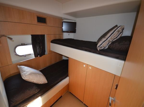The Predator 64 offers 3 cabins, with 2 doubles and a twin bunk arrangement