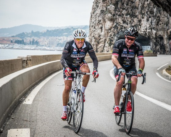 The team take on one of the many coastal inclines between St Tropez and Monaco!