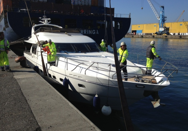 Sunseeker Monaco worked together with Pacific Motor Yachts on the sale of this Princess 23M yacht