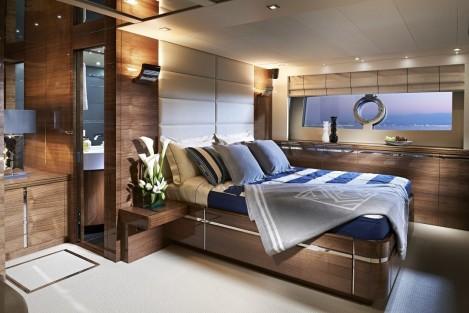Master Stateroom: Sunseeker 80 Sport Yacht