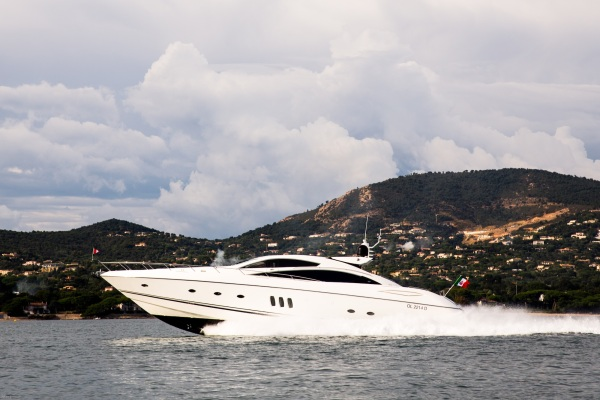 """Sunseeker Southampton announce sale and delivery of Predator 82 """"MAORO"""""""