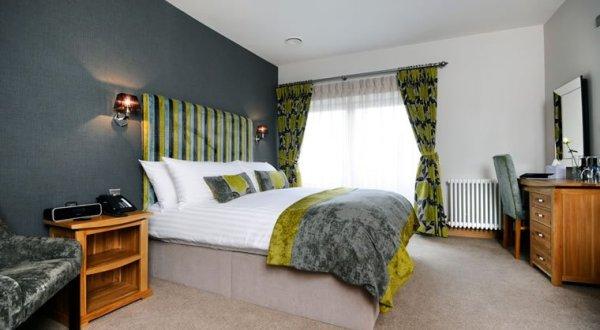 SLEEP: Ennio's Boutique Hotel, Town Quay Road, Southampton SO14 2AR