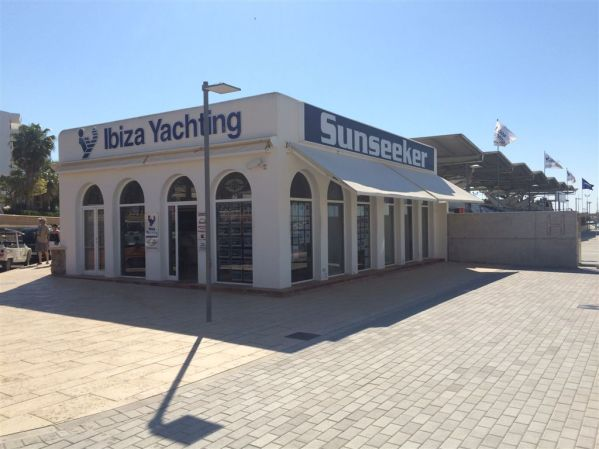 Sunseeker Ibiza's presence in Marina Santa Eulalia ensures a fast and professional assistance to Sunseeker customers