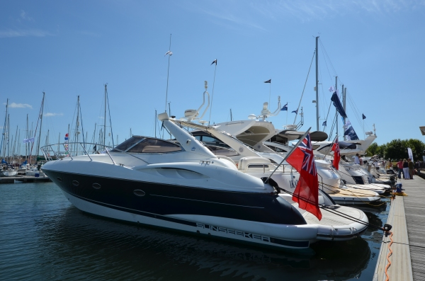A Classic Sunseeker Camargue 44 'IKARA' basks in the South Coast sunshine during the Port Solent New and Used Boat Show 2015