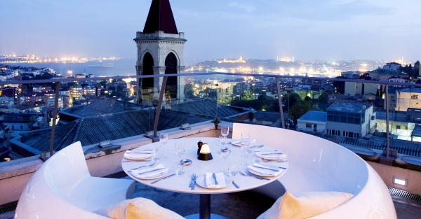 The 360 is a glamorous backdrop to a breezy cocktail overlooking the city of Istanbul