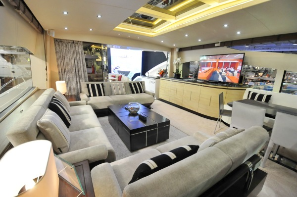 Beautiful light interiors on board CARTE BLANCHE