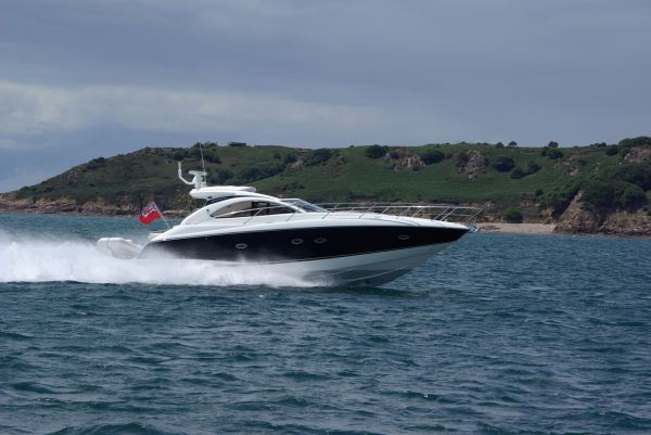 'MOJO'  is presented in pristine condition and is a truly stunning boat a great example of a very popular model specified with Caterpillar C9 engines