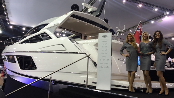 The Sunseeker girls, the MBAward and the Sunseeker 57 Predator