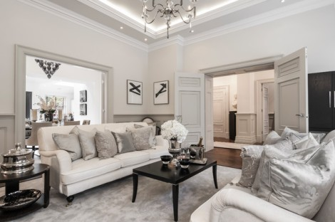 A traditional living room by Alexander James Interiors